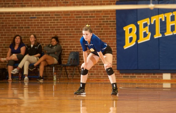 Conner Stolley Posted 9 digs for the Swedes. Photo by Jim Turner Photography.