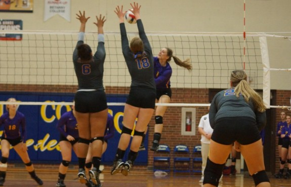 Photo for Swedes Volleyball Wins Five-Set Thriller in Sterling