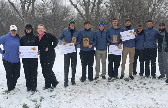 Photo for Swedes Golf Battles for Success in Shortened Ottawa Spring Invitational